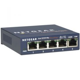 4 x 10/100 ProSafe Switch, external power supply